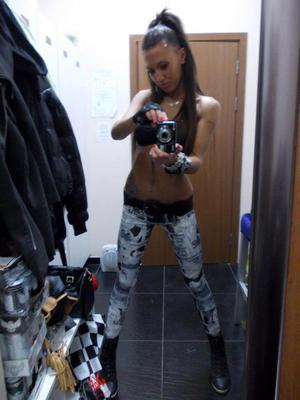 Stefania from  is interested in nsa sex with a nice, young man